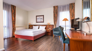 Superior double room with queen size bed in Wyndham Garden hotel | © Wyndham Garden Hennigsdorf Berlin